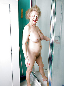 Hairy Mature Lady In The Shower