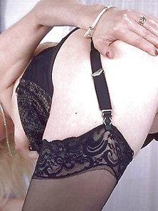 Blonde Amateur Mature Granny Big Ass And Pussy In Nylon Stocking