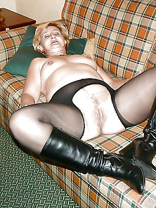 Mature And Bbw Pantyhose Slut Moms