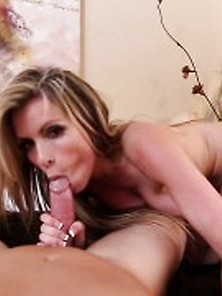 Beauty Busty Wife Courtney Cummz Screwing Www. Xbeautys. Com