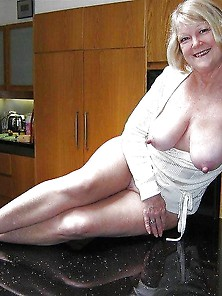 Sally,  Sext Aussie Milf With Great Tits