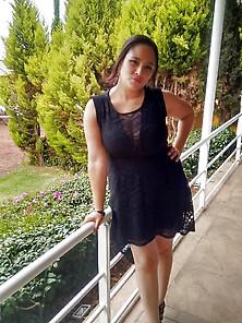 Nenas Con Vestido Negro