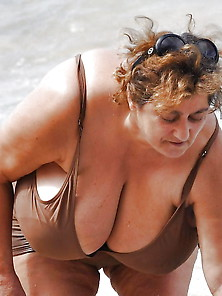Bbw Matures And Grannies At The Beach 299