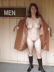 Sub Kerry's First Public Flash With Pussy Shaved