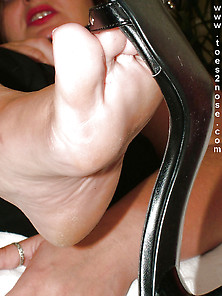 Toes2Nose. Com Foot Fetish Site!