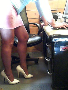 Heels, Nylons, Short Skirt Crossdressing