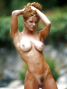 Nude Muscle Girls