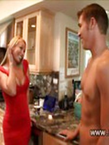 Mellanie Monroe Admires Big Muscles On Worker Enough To Make Her