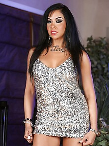 Drop-Dead Gorgeous Latina Squirts On The Floor And Tastes The Co
