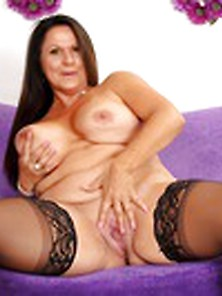 Mature Bbw Leylani Wood Parts Her Shaved Pussy In Black Stocking
