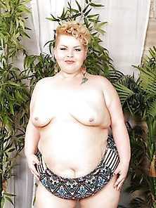 Cute And Chubby Bbw Velma Voodoo Frees Her Titties